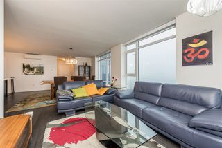 """Photo 7: 2401 608 BELMONT Street in New Westminster: Uptown NW Condo for sale in """"VICEROY """"BY BOSA"""""""" : MLS®# R2159779"""