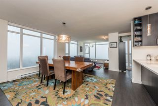 """Photo 3: 2401 608 BELMONT Street in New Westminster: Uptown NW Condo for sale in """"VICEROY """"BY BOSA"""""""" : MLS®# R2159779"""
