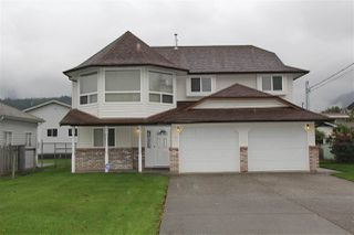 Photo 1: 265 CARIBOO Avenue in Hope: Hope Center House for sale : MLS®# R2161533