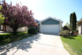 Photo 1: 110 Saxon Bay in Winnipeg: Whyte Ridge Residential for sale (1P)  : MLS®# 1713158