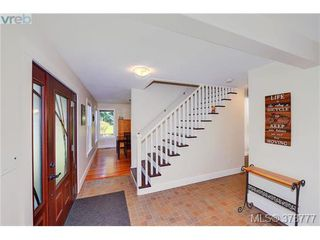 Photo 2: 607 Woodcreek Dr in NORTH SAANICH: NS Deep Cove House for sale (North Saanich)  : MLS®# 760704