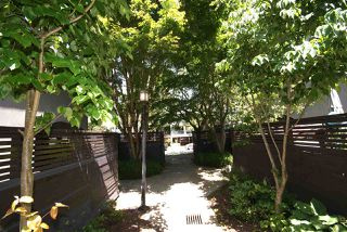 """Photo 2: 1310 W 7TH Avenue in Vancouver: Fairview VW Townhouse for sale in """"FAIRVIEW VILLAGE"""" (Vancouver West)  : MLS®# R2177755"""