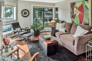 Photo 2: 205 406 Simcoe St in VICTORIA: Vi James Bay Condo Apartment for sale (Victoria)  : MLS®# 762231