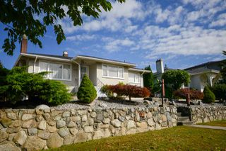 Photo 2: 6367 SUMAS Street in Burnaby: Parkcrest House for sale (Burnaby North)  : MLS®# R2205481