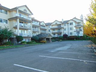 Photo 2: 110-249 Gladwin Road: Condo for sale (Abbotsford)  : MLS®# R2217736