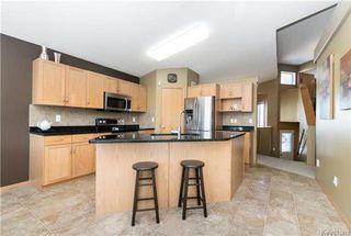 Photo 4: 68 Montvale Crescent in Winnipeg: Royalwood Residential for sale (2J)  : MLS®# 1801780