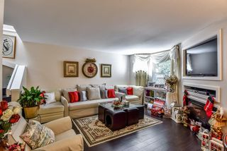 """Photo 5: 4 10086 154 Street in Surrey: Guildford Townhouse for sale in """"Woodland Grove"""" (North Surrey)  : MLS®# R2238657"""