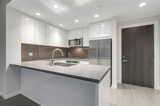 "Photo 2: 413 255 W 1ST Street in Vancouver: Lower Lonsdale Condo for sale in ""WEST QUAY"" (North Vancouver)  : MLS®# R2241083"