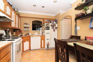 "Photo 3: 16 11580 BURNETT Street in Maple Ridge: East Central Townhouse for sale in ""CEDAR ESTATES"" : MLS®# R2258673"