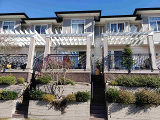 "Photo 2: 32 1010 EWEN Avenue in New Westminster: Queensborough Townhouse for sale in ""WINDSOR MEWS"" : MLS®# R2343402"