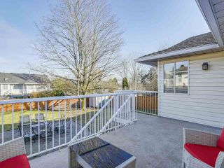 Photo 19: 5616 SUNDALE Place in Surrey: Cloverdale BC House for sale (Cloverdale)  : MLS®# R2345126