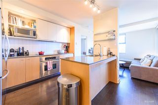 Photo 2: 611 2851 HEATHER Street in Vancouver: Fairview VW Condo for sale (Vancouver West)  : MLS®# R2345271
