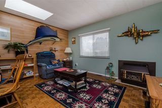 """Photo 10: 21 45955 SLEEPY HOLLOW Road: Cultus Lake Manufactured Home for sale in """"Liumchen Mobile Home Park"""" : MLS®# R2347730"""