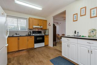 """Photo 8: 21 45955 SLEEPY HOLLOW Road: Cultus Lake Manufactured Home for sale in """"Liumchen Mobile Home Park"""" : MLS®# R2347730"""