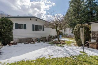 """Photo 20: 21 45955 SLEEPY HOLLOW Road: Cultus Lake Manufactured Home for sale in """"Liumchen Mobile Home Park"""" : MLS®# R2347730"""