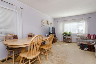 """Photo 5: 21 45955 SLEEPY HOLLOW Road: Cultus Lake Manufactured Home for sale in """"Liumchen Mobile Home Park"""" : MLS®# R2347730"""