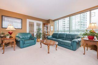 """Photo 4: 701 15038 101 Avenue in Surrey: Guildford Condo for sale in """"Guildford Marquis"""" (North Surrey)  : MLS®# R2355943"""