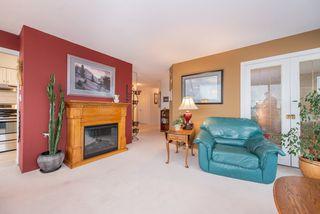 """Photo 5: 701 15038 101 Avenue in Surrey: Guildford Condo for sale in """"Guildford Marquis"""" (North Surrey)  : MLS®# R2355943"""