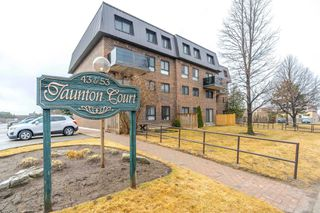 Main Photo: 15 43 E Taunton Road in Oshawa: Centennial Condo for sale : MLS®# E4408708