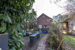 Photo 2: 411 TWELFTH Street in New Westminster: Uptown NW House for sale : MLS®# R2360536