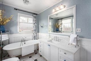 """Photo 14: 301 FIFTH Avenue in New Westminster: Queens Park House for sale in """"Queen's Park"""" : MLS®# R2361766"""