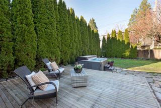 """Photo 18: 301 FIFTH Avenue in New Westminster: Queens Park House for sale in """"Queen's Park"""" : MLS®# R2361766"""