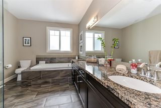 Photo 11: 3909 GINSBURG Crescent in Edmonton: Zone 58 House for sale : MLS®# E4154812