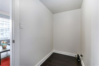 "Photo 10: 712 1372 SEYMOUR Street in Vancouver: Downtown VW Condo for sale in ""THE MARK"" (Vancouver West)  : MLS®# R2366295"