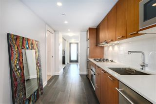 "Photo 7: 712 1372 SEYMOUR Street in Vancouver: Downtown VW Condo for sale in ""THE MARK"" (Vancouver West)  : MLS®# R2366295"