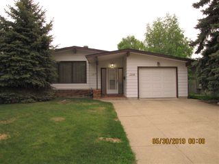 Photo 1: 3539 104A Street in Edmonton: Zone 16 House for sale : MLS®# E4159657