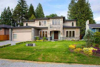 Photo 1: 809 CRESTWOOD Drive in Coquitlam: Harbour Place House for sale : MLS®# R2376330