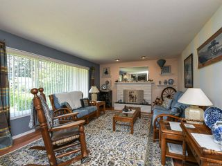 Photo 2: 1664 Elm Ave in COMOX: CV Comox (Town of) House for sale (Comox Valley)  : MLS®# 816423