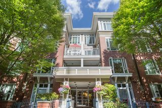 "Photo 1: 411 2628 YEW Street in Vancouver: Kitsilano Condo for sale in ""Connaught Place"" (Vancouver West)  : MLS®# R2377344"