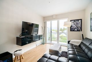 "Photo 2: PH11 388 KOOTENAY Street in Vancouver: Hastings Sunrise Condo for sale in ""VIEW 388"" (Vancouver East)  : MLS®# R2379442"