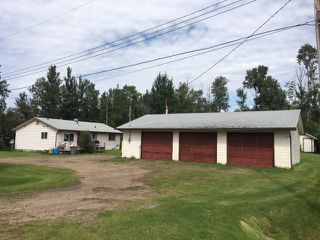 Photo 2: 1 Power Drive: Rural Lac Ste. Anne County House for sale : MLS®# E4168911