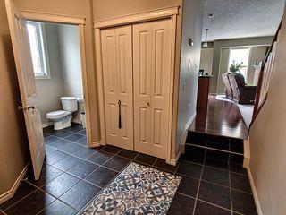Photo 2: 8657 Sloane Court in Edmonton: Zone 14 House for sale : MLS®# E4175496
