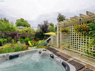 Photo 49: 1632 Hollywood Crescent in VICTORIA: Vi Fairfield East Single Family Detached for sale (Victoria)  : MLS®# 424034