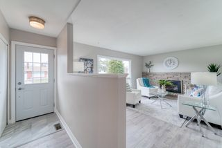 Photo 2: 17 Wolmsley Crescent in Nepean: Crestview House for sale : MLS®# 1188972