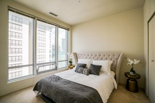 "Photo 9: 913 989 NELSON Street in Vancouver: Downtown VW Condo for sale in ""THE ELECTRA"" (Vancouver West)  : MLS®# R2457107"