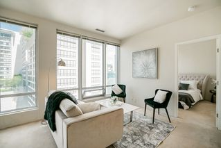 """Photo 3: 913 989 NELSON Street in Vancouver: Downtown VW Condo for sale in """"THE ELECTRA"""" (Vancouver West)  : MLS®# R2457107"""