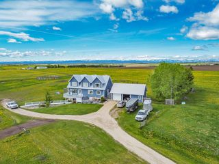 Photo 2: 43115 TWP RD 272 in Rural Rocky View County: Rural Rocky View MD Detached for sale : MLS®# C4301736