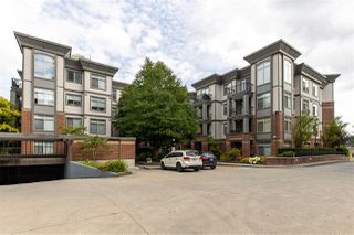 """Main Photo: 414 10499 UNIVERSITY Drive in Surrey: Whalley Condo for sale in """"D'COR"""" (North Surrey)  : MLS®# R2471918"""