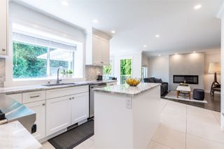 Photo 4: 8657 143A Street in Surrey: Bear Creek Green Timbers House for sale : MLS®# R2482341