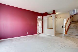 Photo 7: 3207 Douglasdale Boulevard SE in Calgary: Douglasdale/Glen Detached for sale : MLS®# A1039628