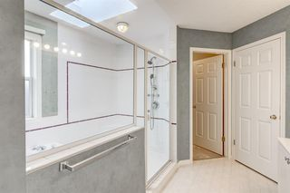 Photo 19: 3207 Douglasdale Boulevard SE in Calgary: Douglasdale/Glen Detached for sale : MLS®# A1039628
