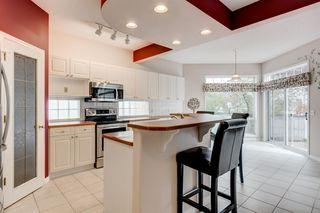 Photo 10: 3207 Douglasdale Boulevard SE in Calgary: Douglasdale/Glen Detached for sale : MLS®# A1039628