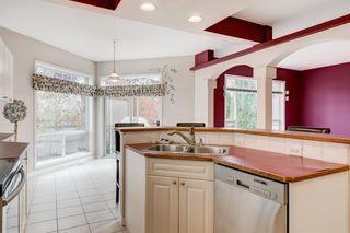 Photo 11: 3207 Douglasdale Boulevard SE in Calgary: Douglasdale/Glen Detached for sale : MLS®# A1039628