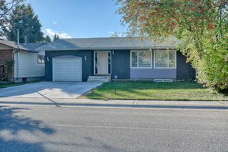 Photo 1: 79 Rundlefield Close NE in Calgary: Rundle Detached for sale : MLS®# A1040501