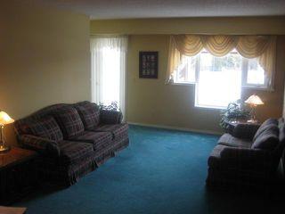 Photo 2: 685 WARDE Avenue in WINNIPEG: St Vital Condominium for sale (South East Winnipeg)  : MLS®# 1102238