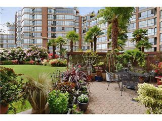 Photo 1: # 108 1450 PENNYFARTHING DR in Vancouver: False Creek Condo for sale (Vancouver West)  : MLS®# V1007865
